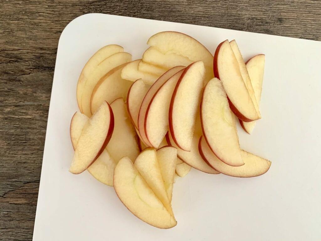 Apfel Schnitze schneiden