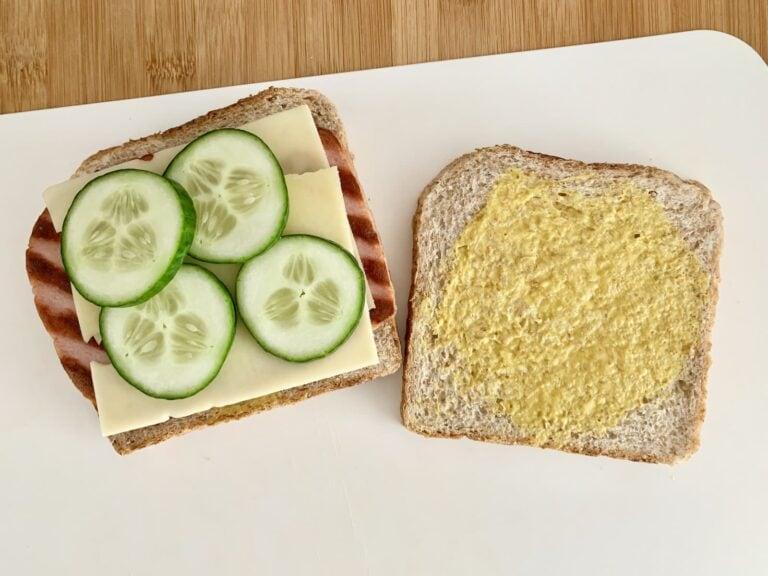 Fleischkäse Käse Sandwich belegen