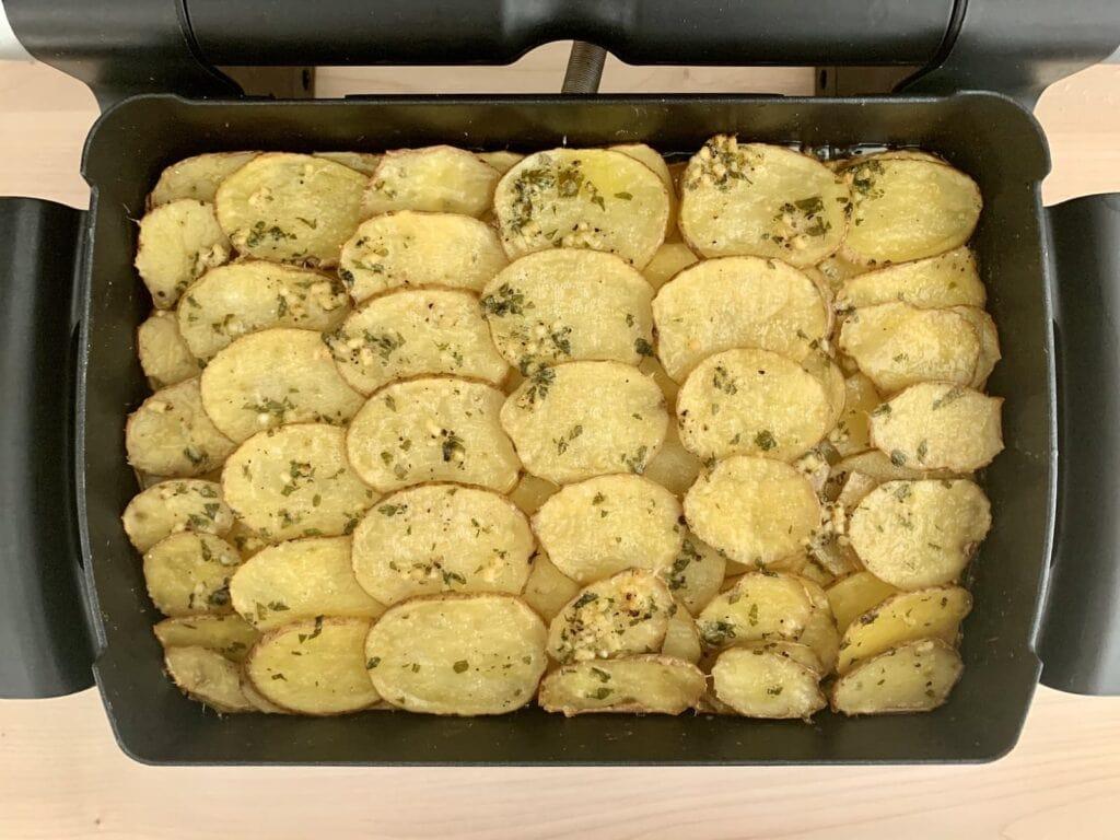 Gebackene Knoblauchbutter Kartoffeln Backschale