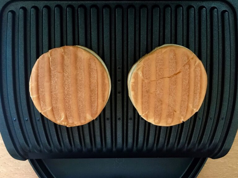 Gegrillte Burger Buns OptiGrill