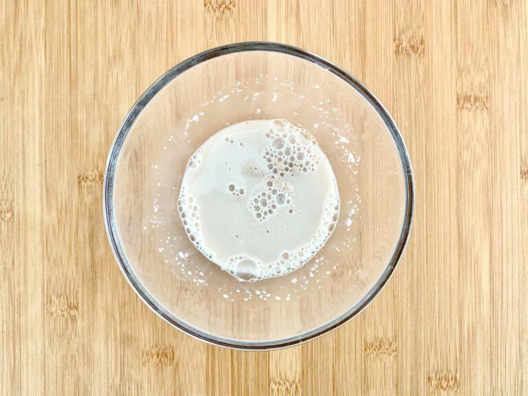 Hefe Wasser Zucker verrühren 1