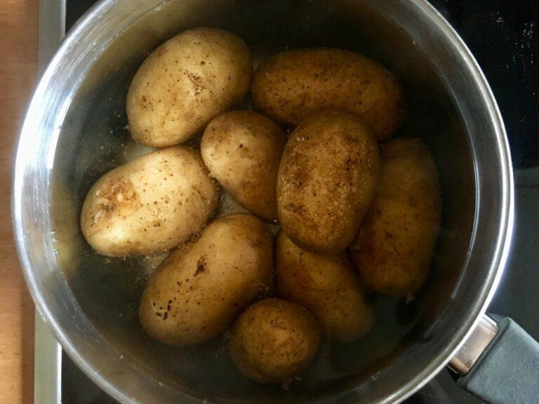 Kartoffeln Salzwasser kochen