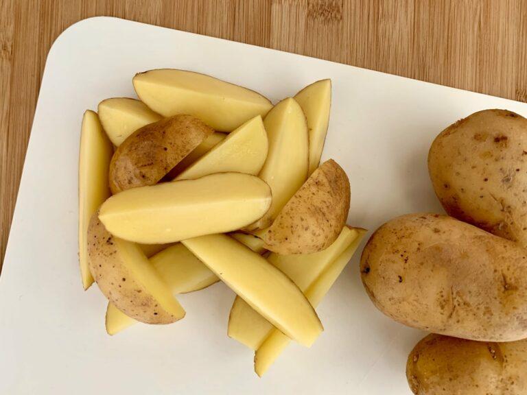 Kartoffeln Wedges schneiden