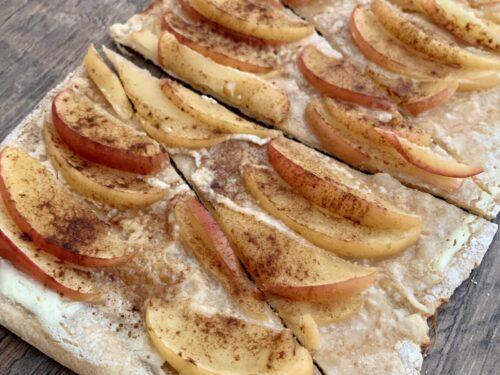 Apfel-Zimt-Flammkuchen