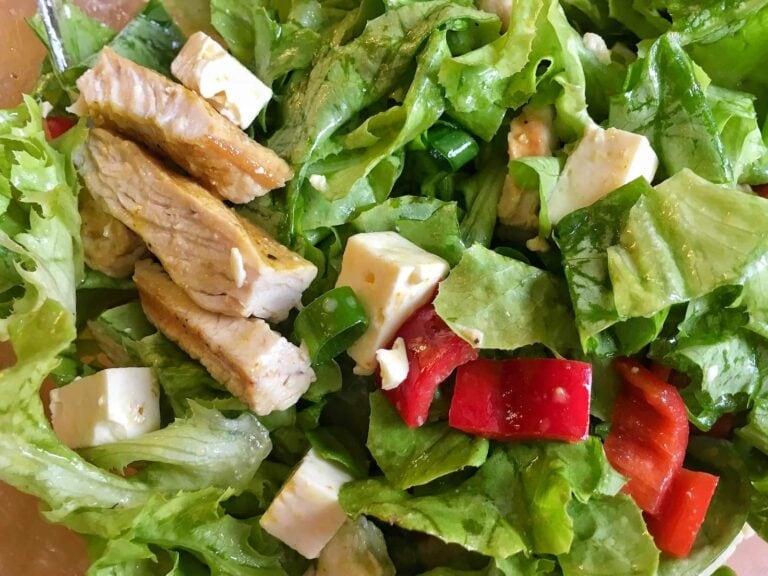 Salat Putenbrust Streifen Paprika Feta