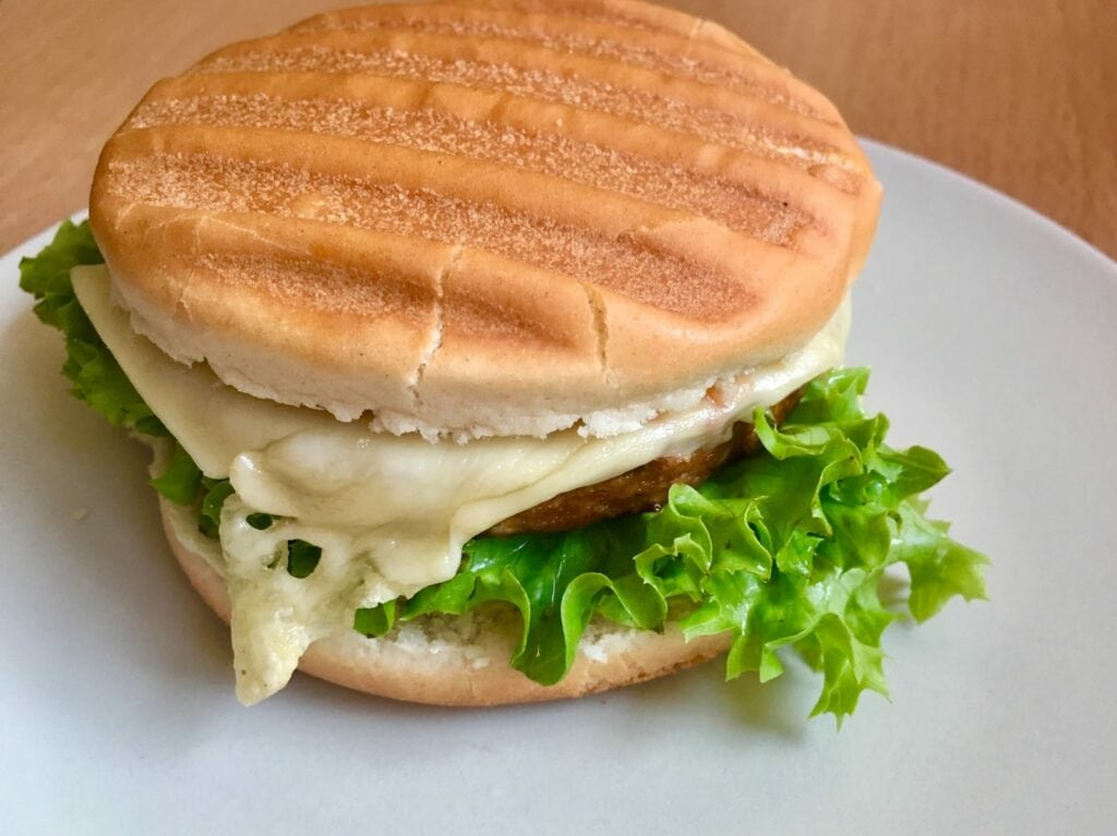 Vegetarischer Cheeseburger