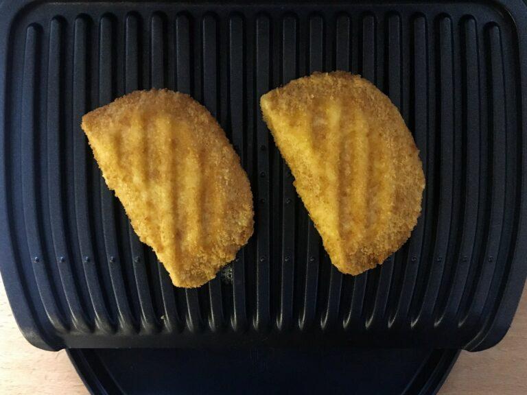 Vegetarisches Schnitzel Käse grillen
