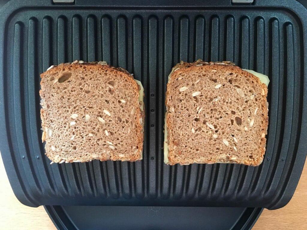Vollkorn Sandwich im OptiGrill grillen