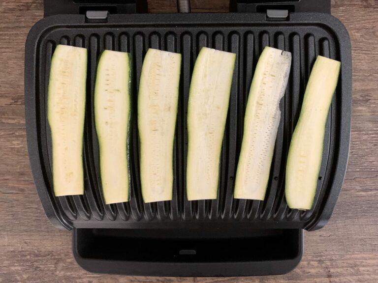 Zucchini Streifen grillen