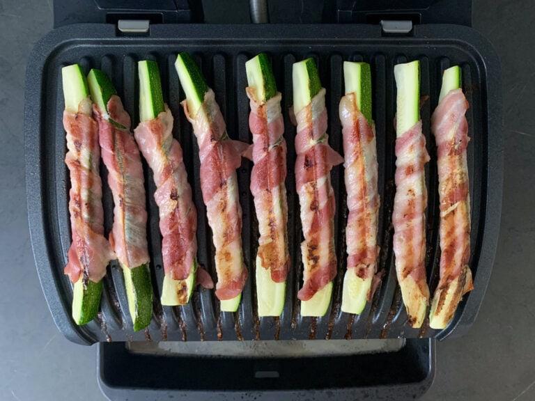 Gegrillte Zucchini-Bacon-Sticks im OptiGrill